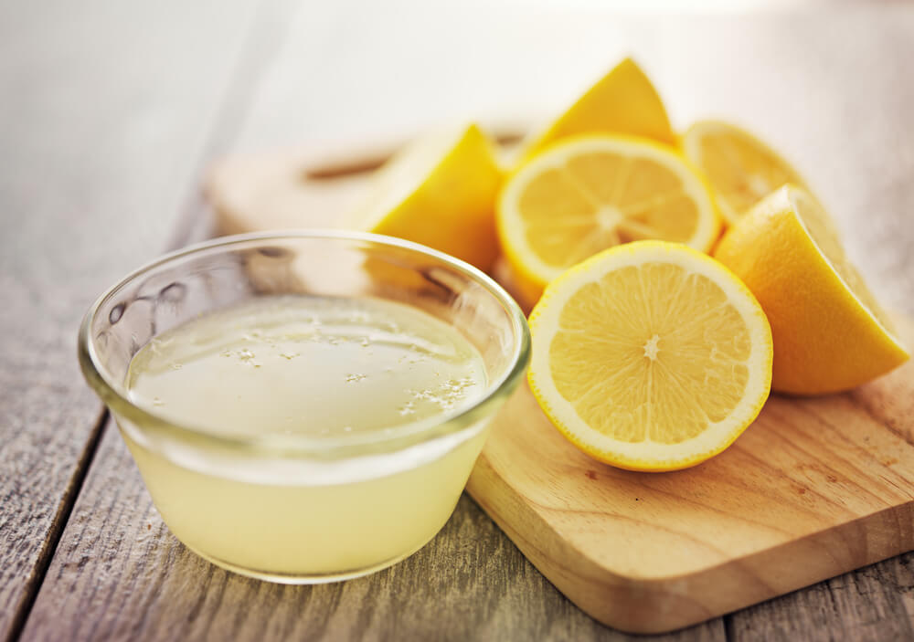 Does lemon juice remove chocolate stains