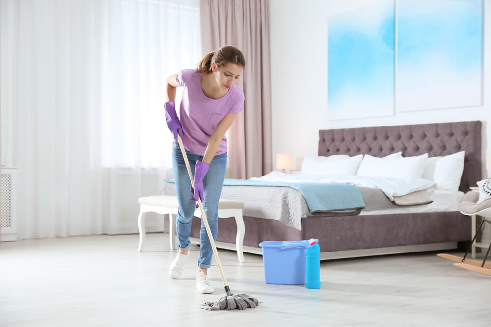 How Long Should It Take to Clean a Bedroom